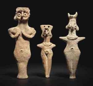 three_syrian_terracotta_idols_circa_2nd_millennium_bc_d5546826h
